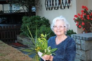 ...ouvrez la porte à la bonne humeur, les fleurs offertes vous porteront bonheur ...