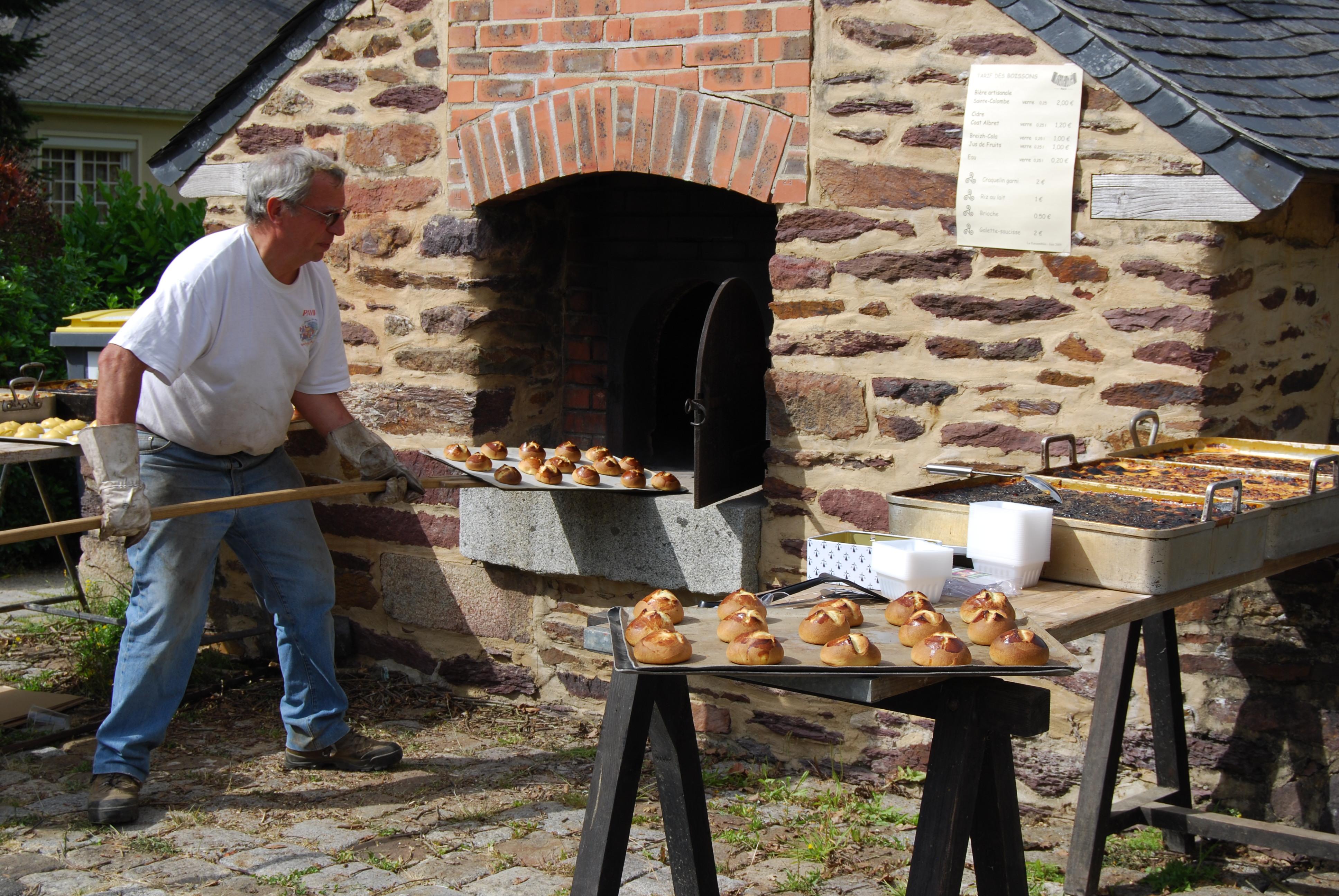Animation autour du vieux four à pain dans le cadre de la fête 2020 de la Bretagne @ La Métairie de Pacé